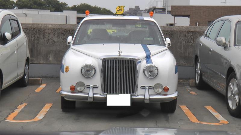 光岡自動車ガリューのタクシー画像です